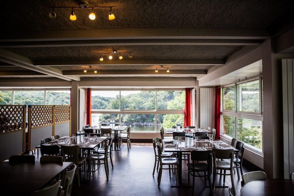 restaurant vue sur lac stage de foot