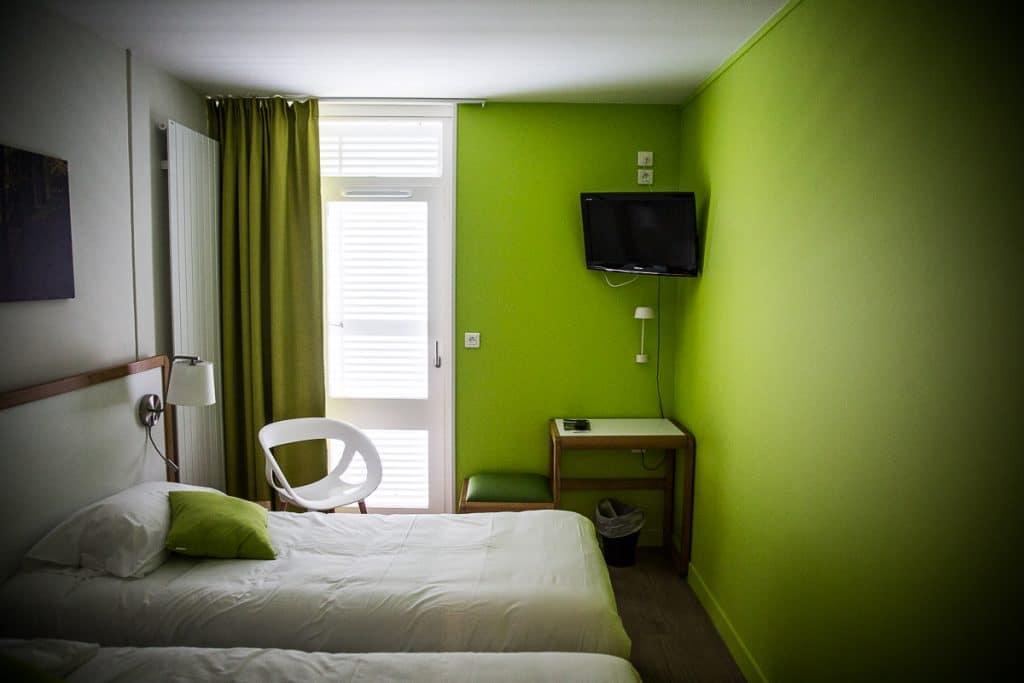 chambre avec télé