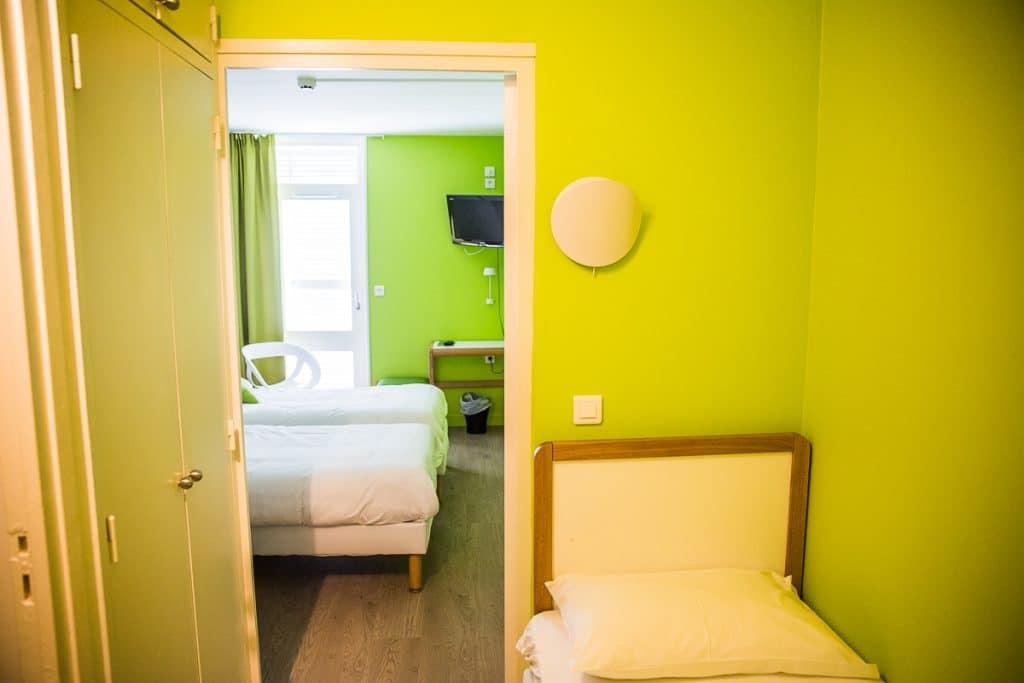 chambre stagiaire jaune vert