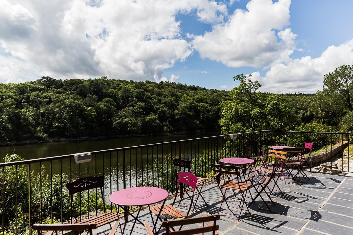 restaurant mur de bretagne terrasse vue sur lac