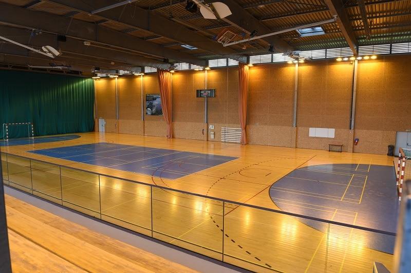 Salle de futsal baskets stage