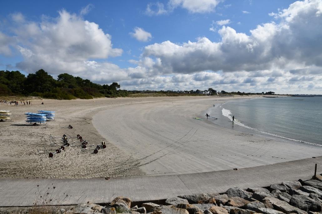 Beach Soccer sur le sable de la plage de Kerguelen à Larmor Plage.