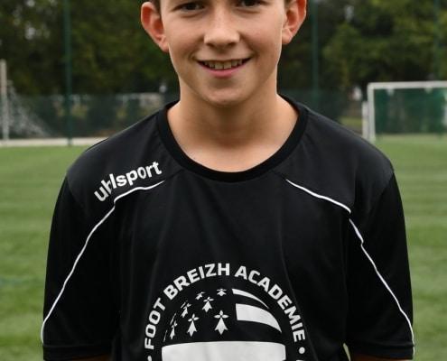 Karl sport études souriant
