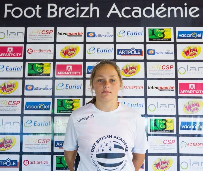 Marion Haelewyn 15 ans stage foot breizh academie