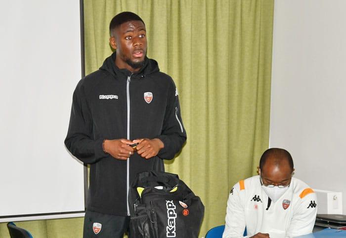 Fc Lorient Coach Football